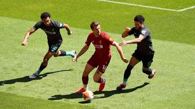 Liverpool đá trận đầu tiên hậu Covid-19: Mane lập công, hạ gục Salah 7