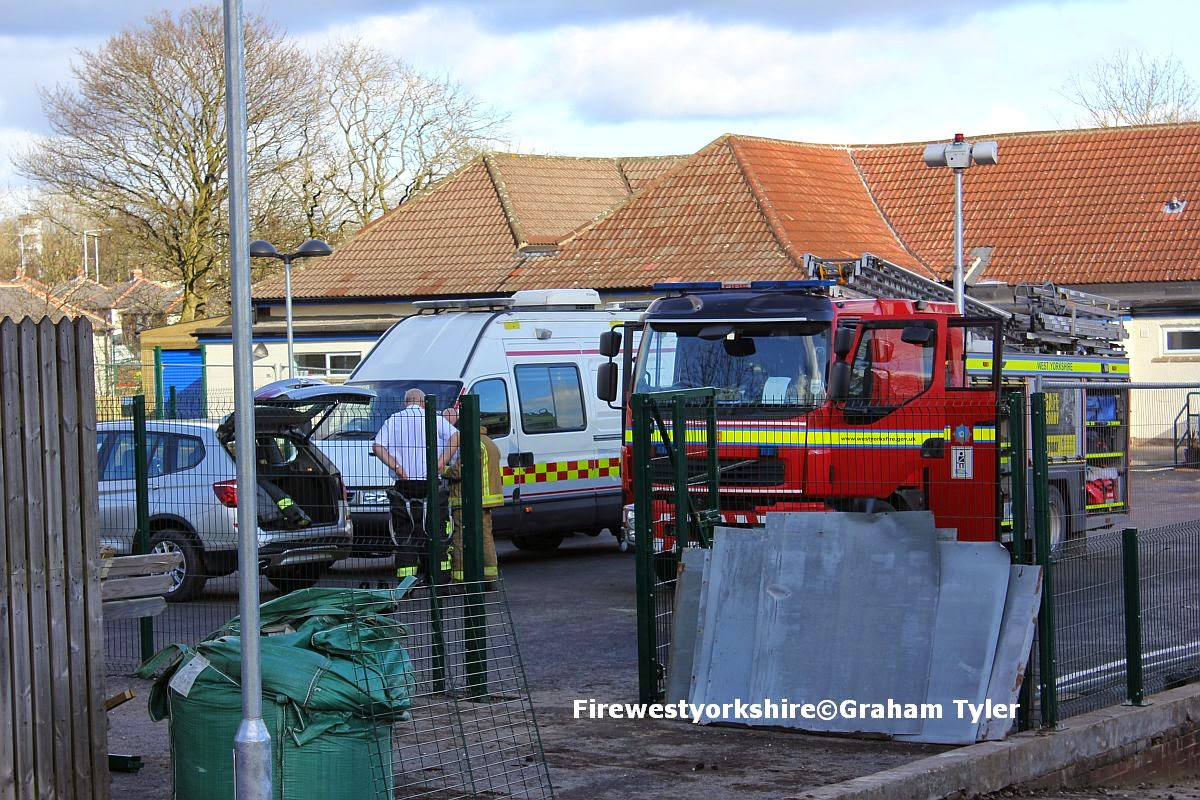 Grahams Fire Page Update Chemical Alert At Bradford School