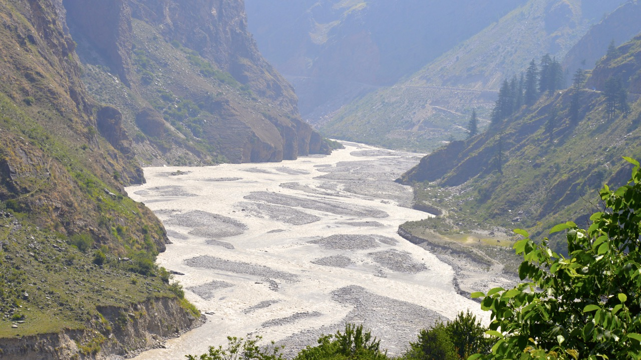One of the six main tributories of Alakhnanda River