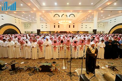 Berikut ini beberapa keutamaan shalat berjamaah di masjid.