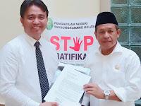 Kuasa Hukum Gubernur Bacakan Surat Pemberian Maaf Dari Gubernur Lampung di Persidangan