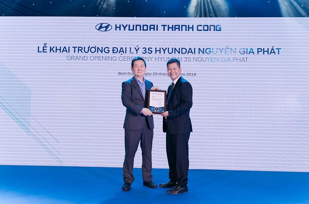 Khai trương đại lý Hyundai Nguyên Gia Phát