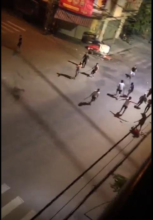 Thanh niên bị chém rớt cánh tay giữa phố do mâu thuẫn tại Bình Định