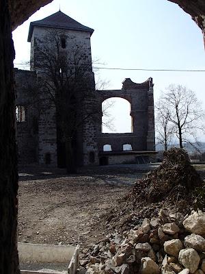 Zabytki w okolicy Krakowa, Góra Zamkowa, Zamek Tenczyn, wieś Rudno