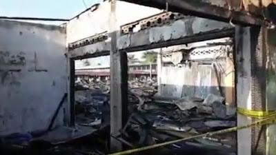 150 Kios Di Pasar Lubuk Alung Hangus Terbakar