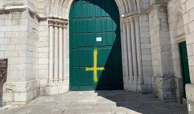 Atentan contra una Iglesia católica de Valladolid
