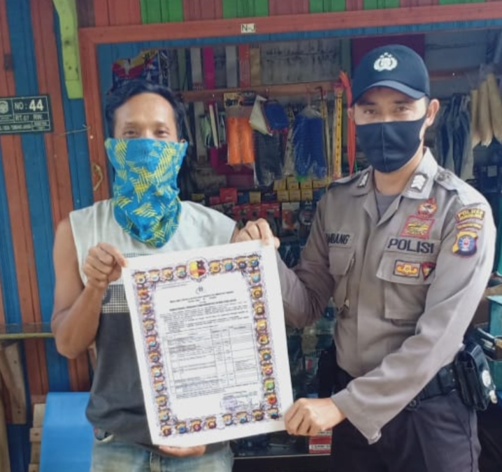 Antisipasi Karhutla Sejak Dini, Brigadir Bambang Sebarkan Maklumat Kapolda Kalteng