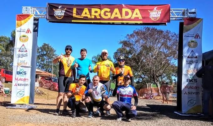 Equipe de Laranjeiras do Sul faz bonito na Ultra Maratona de ciclismo Terra da Cevada 2019 em Guarapuava