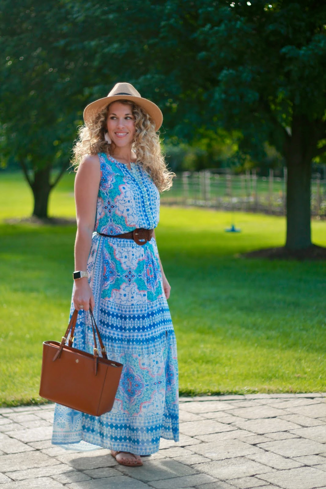 kyla seo avery dress, blue floral maxi dress, caite & kyla review, summer maxi dress, woven belt, tory burch millers, straw fedora, tory burch tote