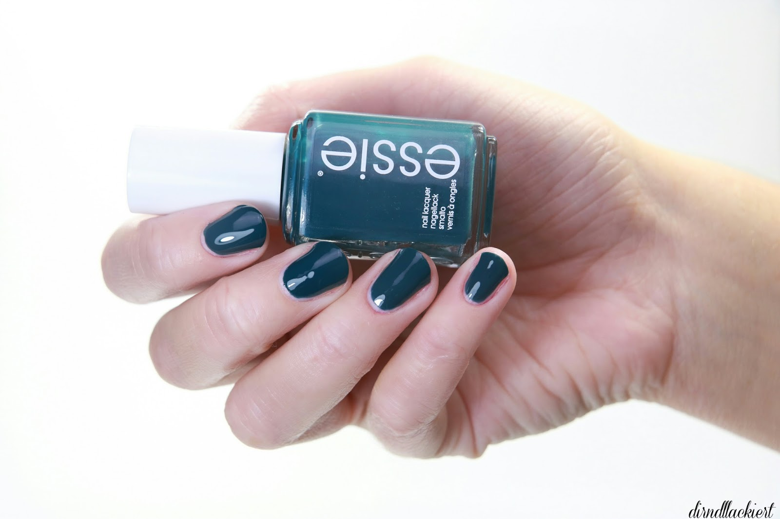 Review] Essie Winter LE 2016 - dirndllackiert