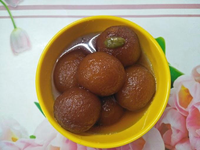 Delicious Sooji Gulab Jamuns | Rava Gulab Jamuns