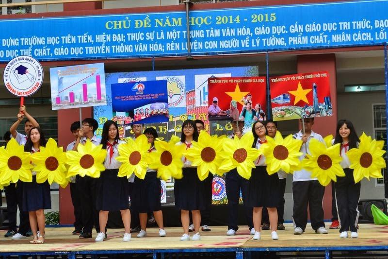Ho Chi Minh, spectacle, école