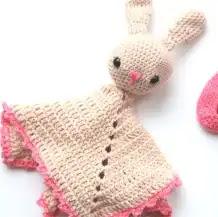 Manta de Apego Conejita a Crochet