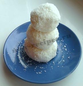 Творожные десерты: рецепты, советы и идеи оформления, http://prazdnichnymir.ru/ Легкий клубничный десерт, Нежная творожная пасха: коллекция рецептов и идей, «Нежность» — торт без выпечки с творожным кремом, Сладкие соусы для блинов, пудингов и десертов, Творожная колбаска с печеньем и цукатами, Творожная начинка для блинов и пирогов. Идеи и рецепты, Творожно-шоколадный десерт с бананом, «Творожные Снеговички» — новогодний десерт, Шоколадные пасхальные яйца с творожной начинкой, Творожные десерты: рецепты, советы и идеи оформления, http://prazdnichnymir.ru/, творог, рецепты из творога, полезная еда, творожная запеканта, рецепты с фото, блюда из творога, десерты из творога, творожные десерты, что можно приготовить из творога, блюда из творога, творожные блюда, творожные десерты, Творожные десерты: рецепты, советы и идеи оформления http://prazdnichnymir.ru/Сладкие соусы для блинов, пудингов и десертов. Рецепты и идеи, как приготовить сладкий соус, рецептhttp://eda.parafraz.space/ Творог — тематическая подборка десерт новогодний, десерт снеговик, десерт творожный, десерты, рецепты, рецепты новогодние, рецепты рождественские, снеговик, стол новогодний, стол рождественский, творог, шапка