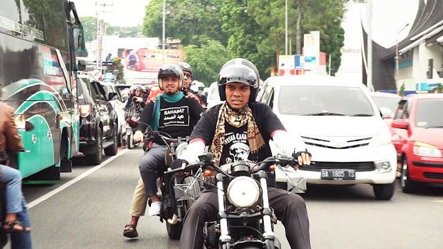 Ustadz Abdul Somad Naik Motor