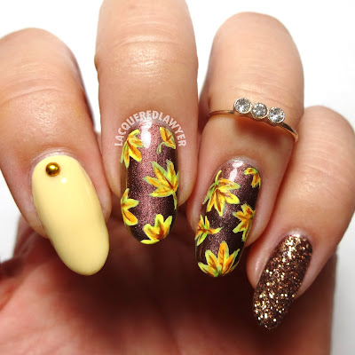 Golden Leaves Nails
