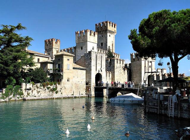 Castello di Sirmione.jpg