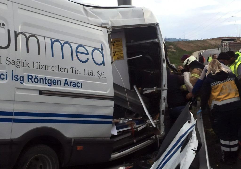 Kuzey Marmara Otoyolun'da kaza: 1'i ağır 2 yaralı