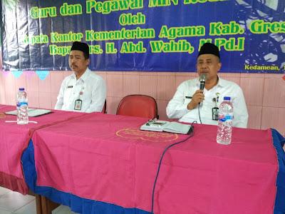 Drs. H. Abd Wahib, M.Pd.I dalam Ta'aruf dan Pembinaan Oleh Kepala Kantor Kementerian Agama Kab. Gresik