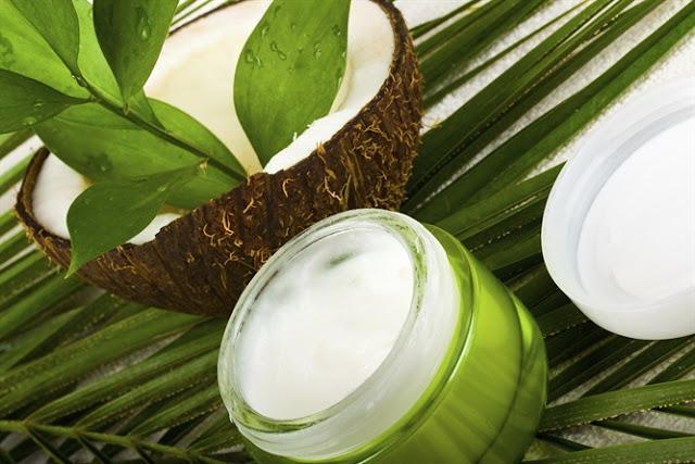 olio di cocco, proprietà olio di cocco, crema viso con olio di cocco