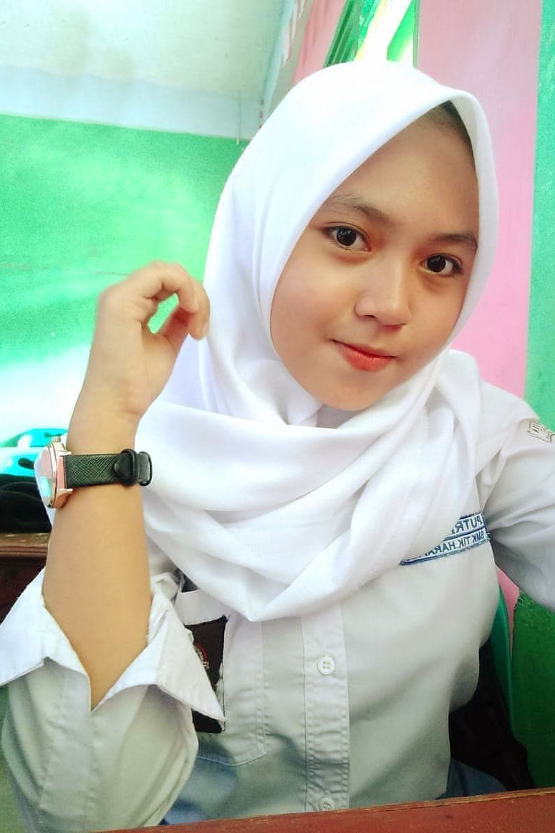 Siswi Jilbab SMA Cantik sman 9 tangsel