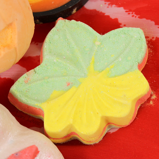 LUSH Halloween 2016 Autumn Leaf bath bomb review