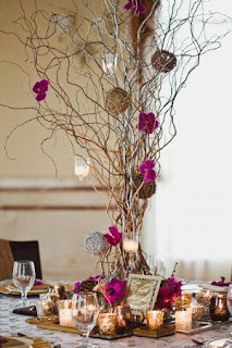 http://www.thesweetestoccasion.com/2011/04/elegant-wedding-ideas/