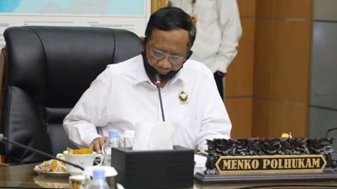 Mahfud Bentuk Tim Pemburu Koruptor, DPR: Kebakaran Sudah Padam Baru Panggil Pemadam