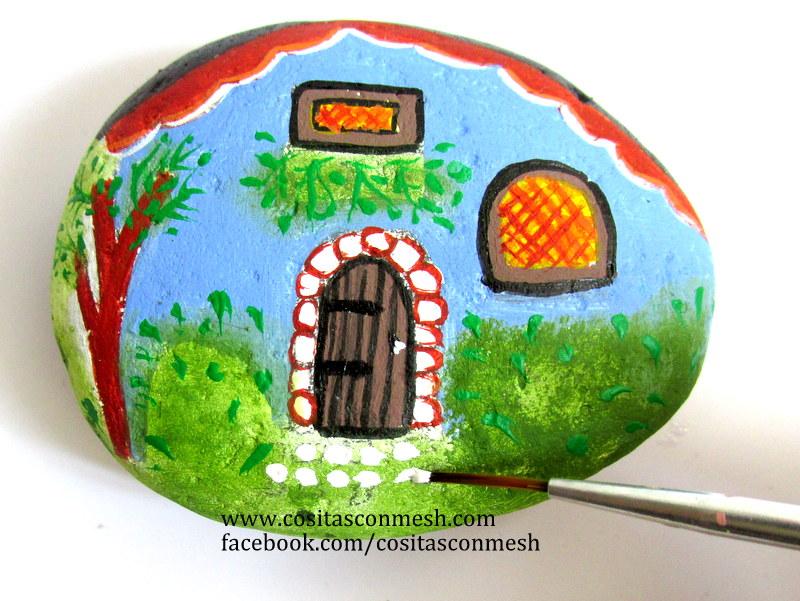 Aprende c mo pintar casitas sobre piedras paso a paso for Pintura para pintar piedras