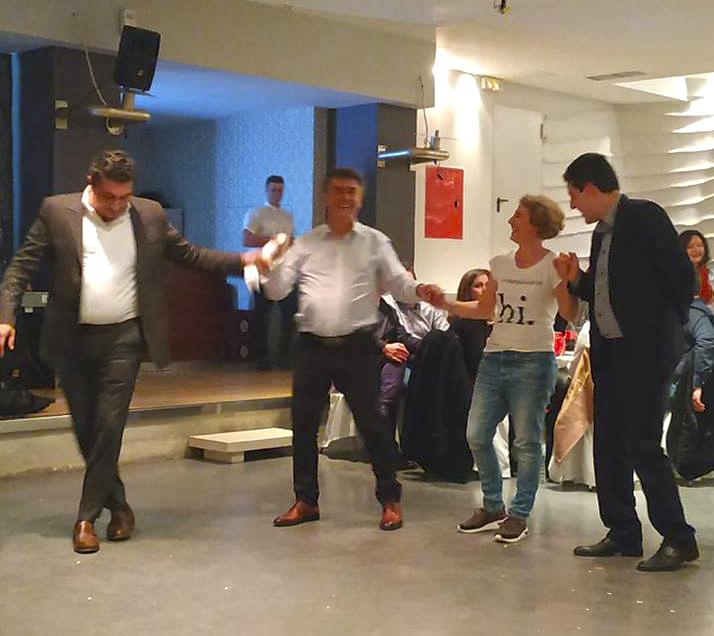 ευτυχισμένο σχολείο το χορό χοροεσπερίδα Συμβουλές για μια επιτυχημένη σχέση γνωριμιών