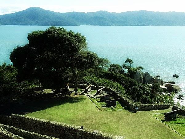 Fogo cruzado da Fortaleza da Ponta Grossa, Florianópolis