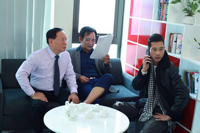 NSƯT Quang Tèo trong hậu trường phim