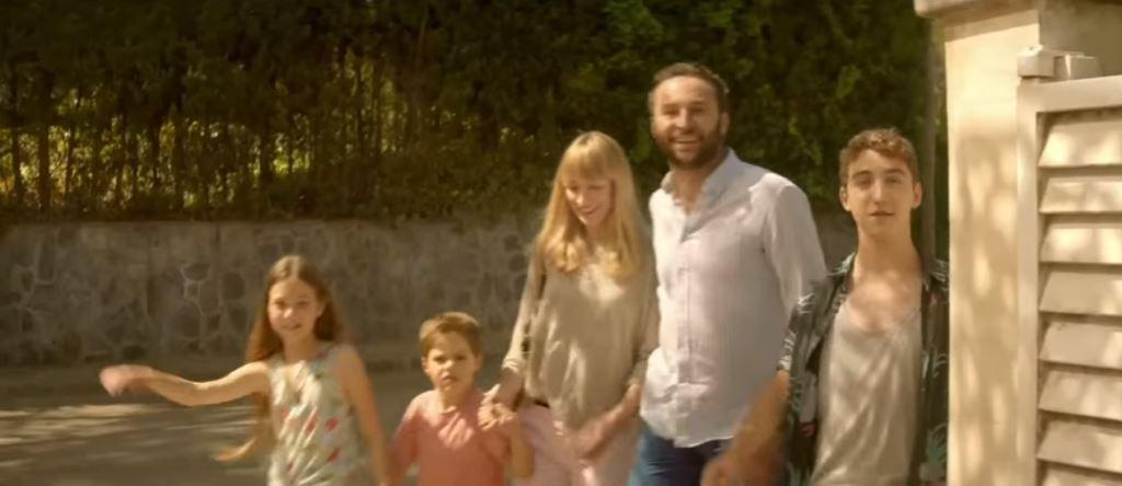 Pubblicità Citroen C4 Picasso con famiglia in vacanza e tanti guai...