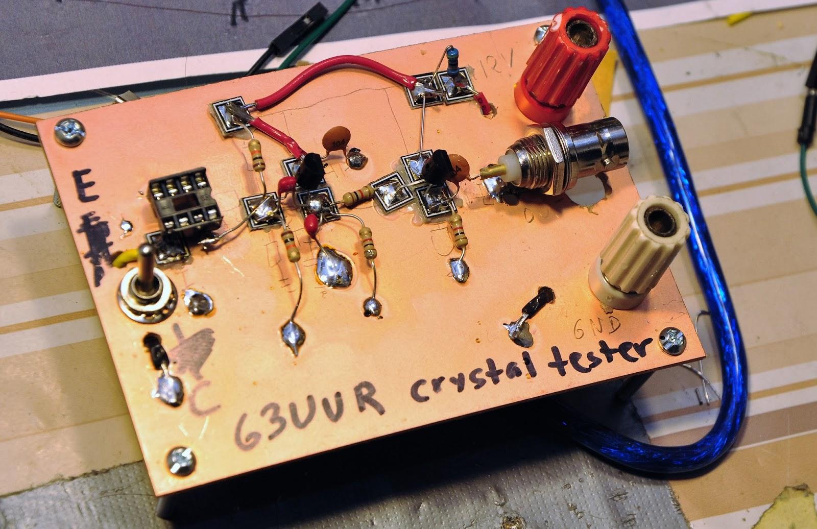 Oscillator on Colpitts Oscillator Design