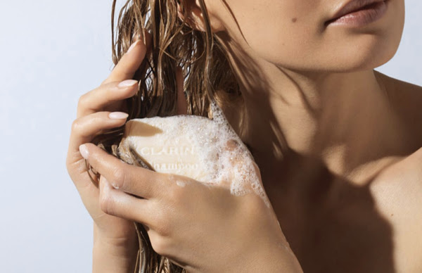 champu-solido-clarins-lavado-cabello
