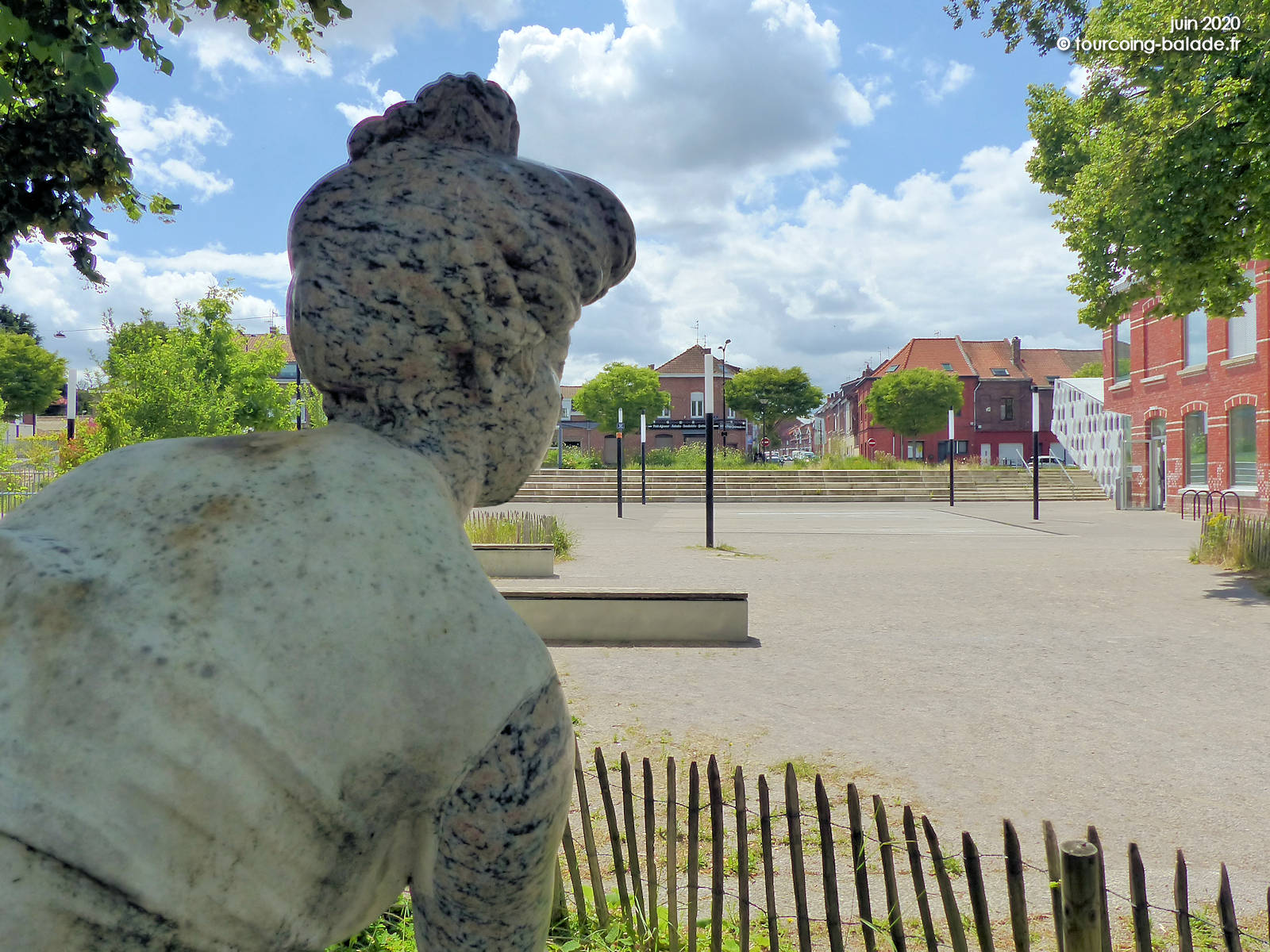 Statue La Penseuse, Tourcoing Belencontre, 2020