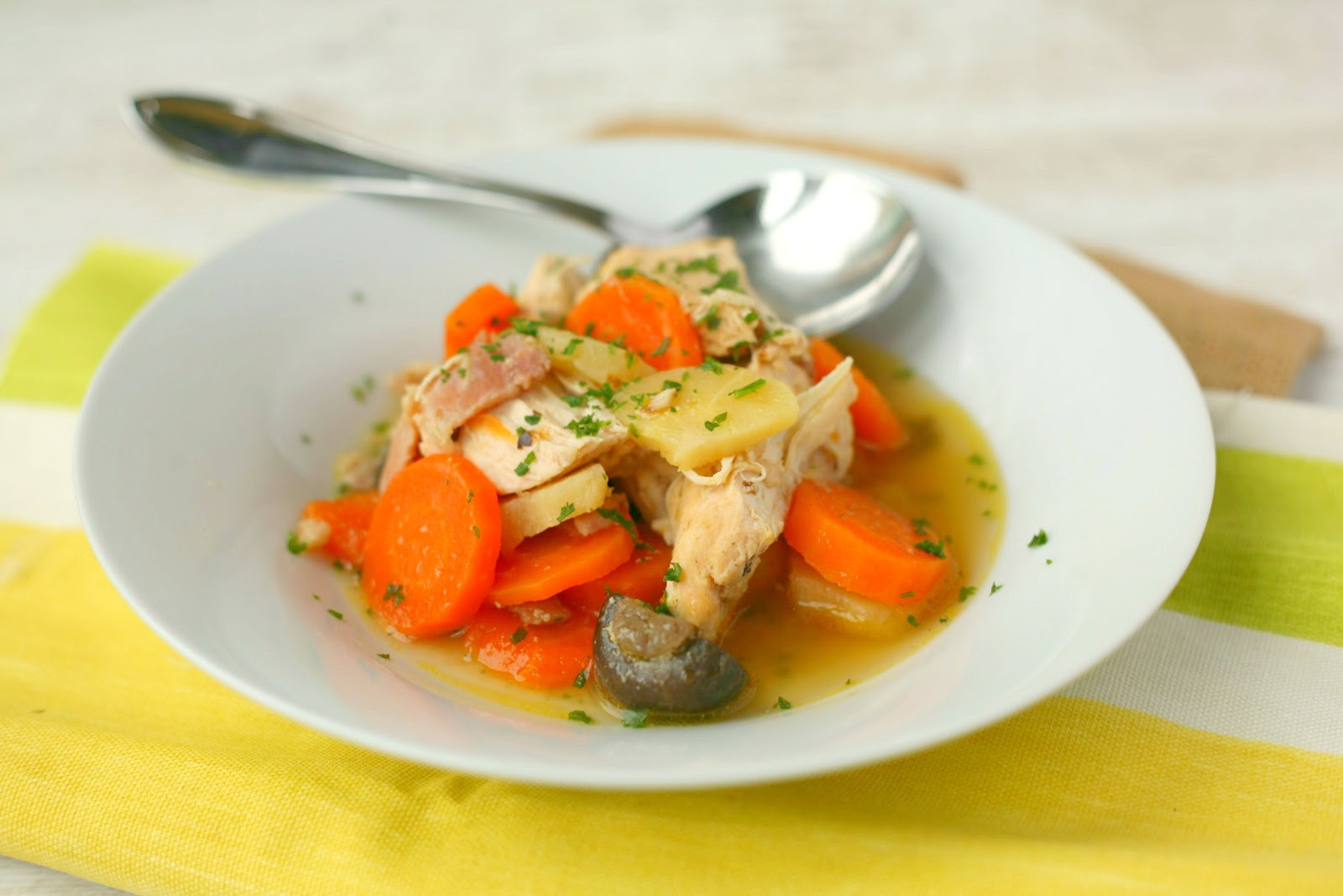 Warming Chicken and Vegetable Stew, what better way to beat the cold weather! www.goodfoodshared.blogspot.com