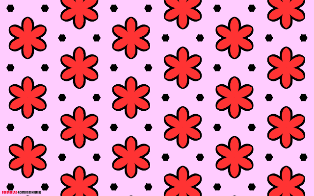 Roze wallpaper met bloemen