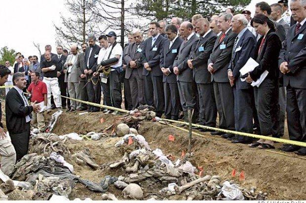 Όταν οι Αλβανοί του Κοσόβου, σκότωναν, βίαζαν, ακρωτηρίαζαν τους Σέρβους και η Δύση έκανε πως δεν έβλεπε (vid, εικόνες)