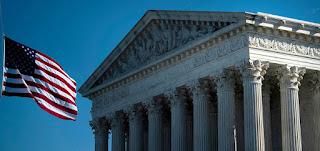 المحكمة العليا الأميركية تبطل القيود المشدّدة على الشعائر الدينية في أماكن العبادة بسبب كورونا