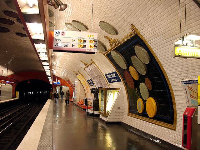 As estações de metrô mais bonitas e diferentes de Paris - Pont Neuf