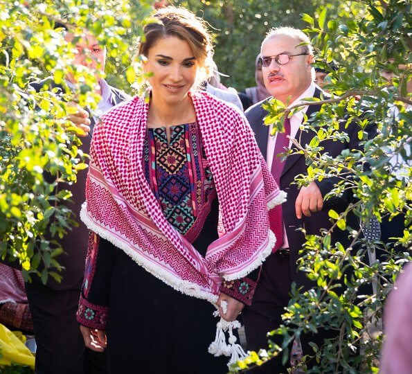 Queen Rania wore Stephen Webster Haze turquoise earrings. Kufrsoum Agricultural Cooperative Association for Pomegranate Producers
