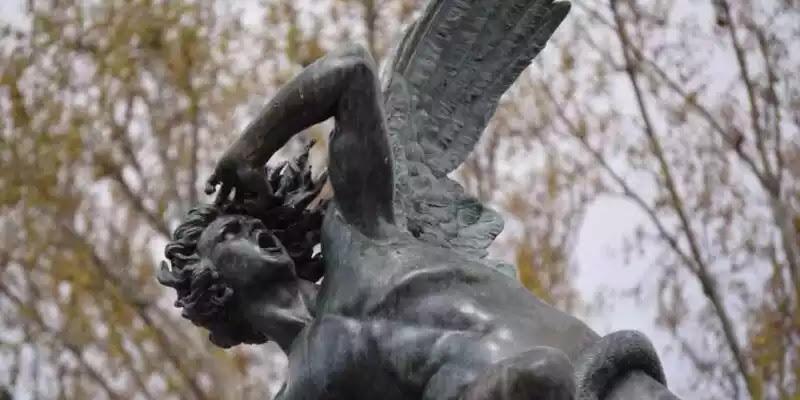 Το φαινόμενο Λούσιφερ: γιατί οι καλοί άνθρωποι κάνουν κακά πράγματα σύμφωνα με την ψυχολογία
