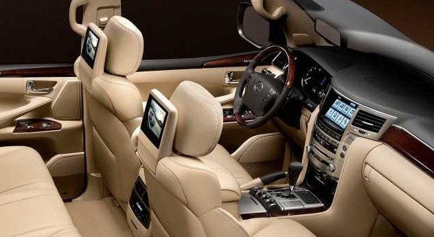 2017 Lexus LX570 interior