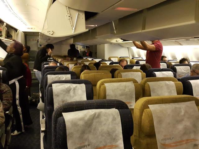 Como é voar para a África com a companhia angolana TAAG e o Aeroporto de Luanda