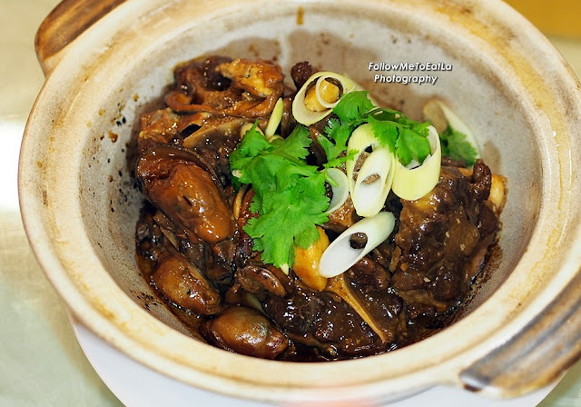 Braised Oxtail With Dried Oyster and Fatt Choy In Clay Pot  RM 118 per pax