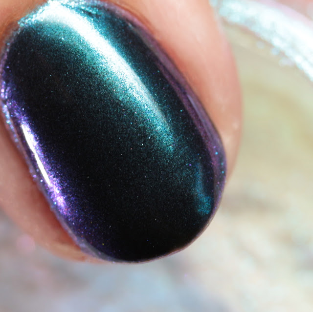 Girly Bits SFX Duo-Chrome Powder Gaze over black gel