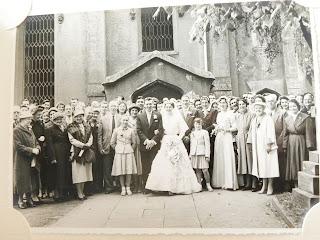Wedding group at Taylor wedding