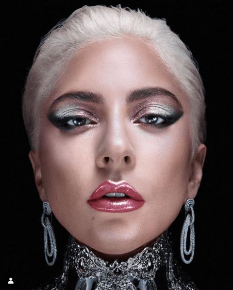 Lady Gaga estrena su línea de maquillaje