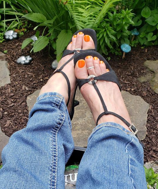 zoya oakley in sexy black shoes